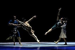 Guangdong Modern Dance Company | Sumeru (© TAN Wei)