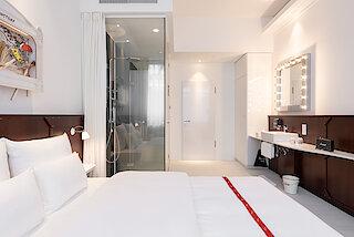 Ruby Leni Hotel